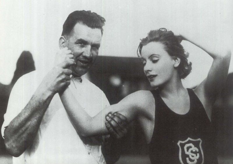 greta garbo with USC track-and-field team 1926