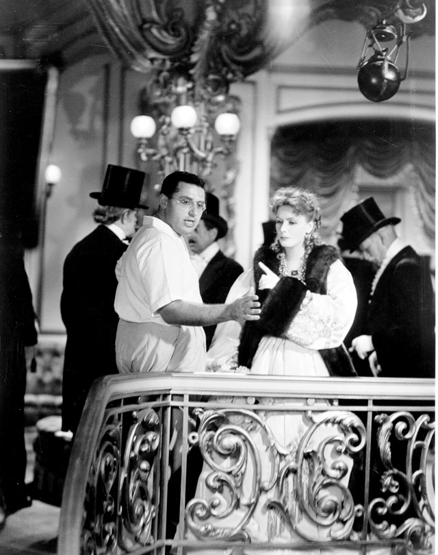 2_george-cukor-directs-greta-garbo-on-the-set-of-camille
